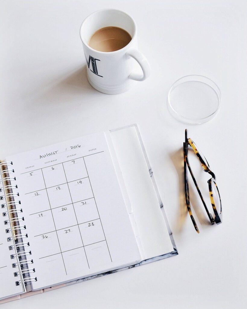 calendar, eyeglasses, plan-2559708.jpg